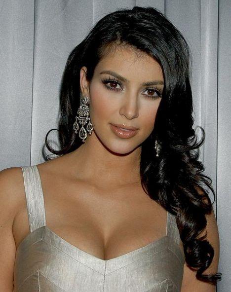 Kim Kardashian sahnede - 40